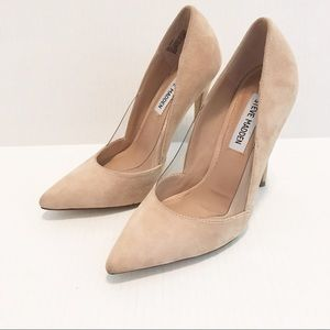 e4039285f2c Women Steve Madden Pointed Heels on Poshmark
